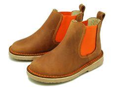 Tienda online de calzado infanti Okaaspain. Botín de piel con elásticos a contraste. Calidad al mejor precio hecho en España. www.okaaspain.com