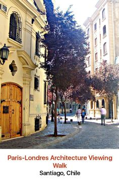 Seek out some tranquil moments away from the hectic and exciting bustle of Santiago, by visiting one of its most tranquil spots. The neighborhood of Paris-Londres dates back to the 16th century and has some of the oldest streets in the city.