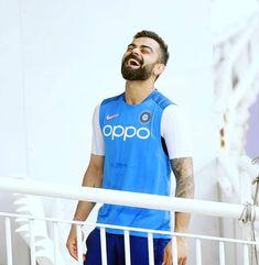 ICC World Cup Virat kohli break the record held by Sachin Tendulkar & Brian Lara! Virat Kohli And Anushka, Virat Kohli Wallpapers, India Win, Sachin Tendulkar, Cricket Sport, Cricket World Cup, Celebrity Wallpapers, Football Match, Whatsapp Dp