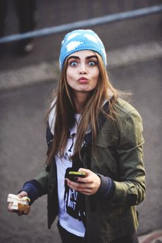 It just takes a handful of garments and accessories to pull off Cara Delevingne or Heidi Klum + Tim Gunn! Looks Style, Looks Cool, Selena Gomez, Jean Giono, Cara Delevingne Style, Look 2015, Isabelle Huppert, English Fashion, Beanie
