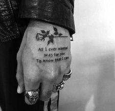 Piercing and tatoo Mini Tattoos, Emo Tattoos, Small Hand Tattoos, Hand Tattoos For Guys, Finger Tattoos, Black Tattoos, Body Art Tattoos, Tattos, Grunge Tattoo