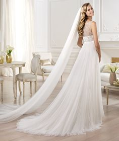 Pronovias presents the Ores wedding dress. Fashion 2014. | Pronovias