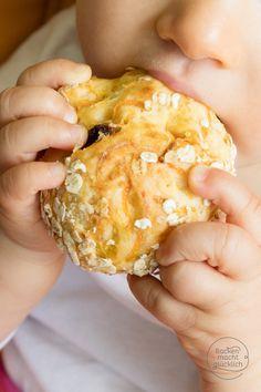 Nibbler bun for children - Rezepte - Kids Snacks Vegan Snacks, Healthy Snacks, Baby Food Recipes, Vegan Recipes, Baking With Toddlers, Baby Snacks, Homemade Baby Foods, Healthy Appetizers, Kid Friendly Meals