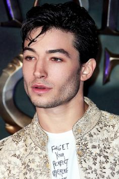 Ezra Miller attends the European premiere of 'Fantastic Beasts And Where To Find Them' at Odeon Leicester Square on November 2016 in London, England. Ezra Miller, Beautiful Celebrities, Beautiful Men, Beautiful People, Man Photo, To My Future Husband, Pretty People, How To Look Better, Celebs