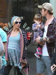 Chris Hemsworth, wife Elsa Pataky welcome twin boys