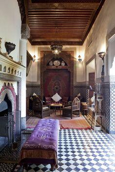 Interior do Riad Kaiss, uma hospedagem de luxo em Marrakech