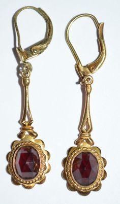 Catawiki Online-Auktionshaus: Antike goldene Ohrringe mit Glasgranat besetzt Bottle Opener, Auction, Antiquities, Ear Rings, Glass, Key Bottle Opener, Bottle Openers