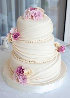 Steg för steg när du ska planera för bröllopstårta