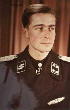 SS-Standartenführer Joachim Peiper http://www.historicalwarmilitariaforum.com/topic/6937-ritterkreuztr%C3%A4ger-photos-in-color-thread/page-37