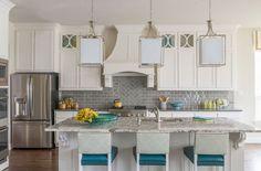 71 Exciting Kitchen Backsplash Trends to Inspire You - Sebring Design Build Kitchen Black Counter, White Kitchen Cabinets, New Kitchen, Kitchen Decor, Kitchen Ideas, Cream Cabinets, Colored Cabinets, Black Counters, Kitchen Grey