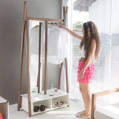 Arara Sue com Toucador e Espelho Giratório em MDF - Branco / Nogueira - 194x96 cm