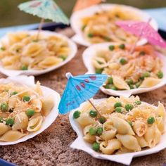 Wedding Cakes Seashell shaped pasta, fun pasta dish for beach-themed parties. Toddler Meals, Kids Meals, Fun Pasta, Pasta Lunch, Luau Party, Ocean Party, Beach Party Snacks, Sea Party Food, Kids Beach Party