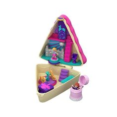 Superb Polly Pocket Birthday Cake Bash Compact Now at Smyths Toys UK. Shop for Polly Pocket At Great Prices. Free Home Delivery for orders over Giant Birthday Cake, Cute Birthday Cakes, Birthday Presents, Birthday Party Themes, Birthday Wishes, Polly Pocket World, Cake Branding, Cake Accessories, Surprises For Her