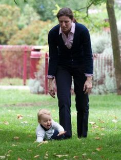 Prince George of Cambridge a moment of relaxation in the park with his Nanny Maria Teresa Turrion Borrallo.