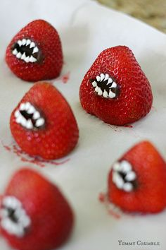 monster strawberries tutorial - www.yummycrumble.com