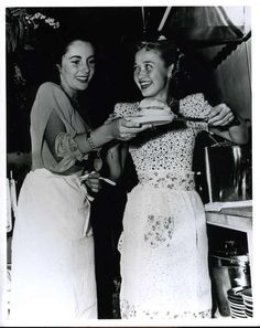 {*Elizabeth Taylor & Jane Powell ~To Great Actors from Child hood & Remained Great Friends*}