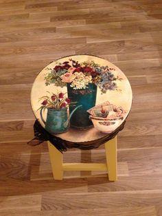 **ŞEHNAZCA**: TABURELER Decoupage Furniture, Funky Furniture, Painted Furniture, Tole Painting, Wooden Crafts, Wood Projects, Decorative Plates, Table, Inspiration