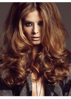 Roos V. Down Hairstyles, Cute Hairstyles, Hairdos, Voluminous Curls, Big Curls, Gorgeous Hair, Beautiful, Ginger Hair, Hair Pictures