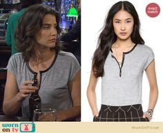 Robin's grey henley tee with leather trim on How I Met Your Mother. Outfit Details: http://wornontv.net/23265 #HowIMetYourMother