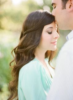 whimsical-ranch-engagement-half-up-half-down-wedding-hair