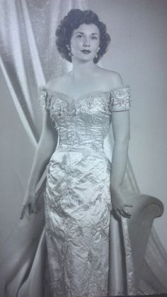 1000 images about ann lowe on pinterest evening dresses for Jackie kennedy wedding dress designer