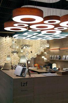 """Otras con tecnología OLED del stand de """"LZF"""" en la Feria de de light+building 2014."""