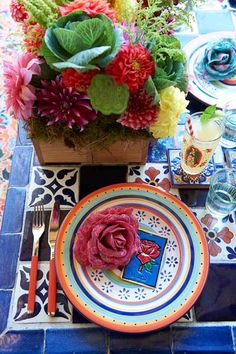 Mexican-Wedding-Theming-and-Styling-table-setting