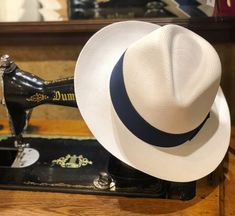 Isthmus Of Panama, Equador, Mans World, Fedora Hat, Gift Boxes, Hats For Men, Small Gifts, Crowns, Men's Style