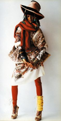 ♡ Wild and Wild Mario Testino Editorial – Italian Vogue Oct 2002 Ethnic Fashion, Boho Fashion, Fashion Design, Fashion Trends, Vogue Editorial, Editorial Fashion, Kenzo, Moda Peru, Mario Testino