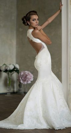 Amazing Wedding Dress ~Best Wedding dresses, gowns, shoes, decorations and ideas For more bridal inspiration visit us at Lola Bee and me Wedding Dresses Photos, Bridal Dresses, Wedding Gowns, Backless Wedding, Lace Wedding, Mermaid Dresses, Party Wedding, Elegant Wedding, Weeding Dresses