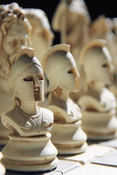 A Dreamy Life - Greek mythology chess. Backgammon, Chess Set Unique, Chess Table, Its A Mans World, Chess Pieces, 3d Prints, Whittling, Greek Mythology, Wood Carving