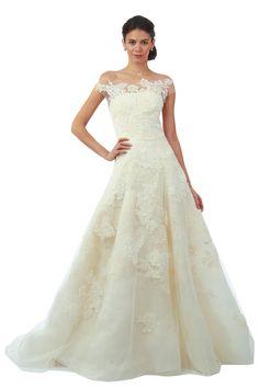 Oscar de la Renta 2014 wedding dress - so romantic!