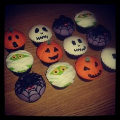 Halloween cupcakes by Gingerbread Lane