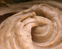 Gesztenyekrém süteménybe Hungarian Cake, Hungarian Recipes, Hungarian Food, Poppy Cake, Torte Cake, Nutella, Tart, Peanut Butter, Bakery