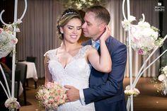 Decoração dos seus sonhos para o seu grande dia. Wedding Dresses, Fashion, Event Decor, Wedding Decoration, Dreams, Events, Bride Dresses, Moda, Bridal Gowns