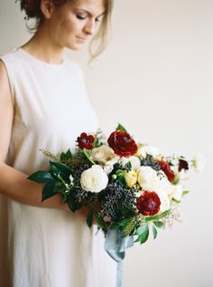 Romantic winter wedding bouquet: http://www.stylemepretty.com/washington-weddings/seattle/2015/12/29/stylish-modern-winter-wedding-inspiration/ | Photography: Anna Peters - http://www.annapetersphoto.com/