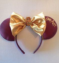 Harry Potter inspired Disney ears⚡it's no longer a want. Disney Mickey Ears, Disney Bows, Disney Diy, Disney Crafts, Disney Stuff, Mickey Mouse, Harry Potter Disney, Always Harry Potter, Harry Potter World