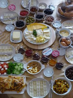 emel's breakfast table - turkish breakfast
