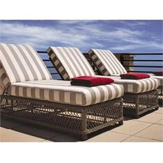 Lloyd Flanders Vineyard Adjustable Wicker Chaise.