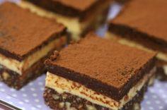 arta culinara: Felii vanilie - ciocolată fără coacere. Tiramisu, Biscuit, Ethnic Recipes, Desserts, Food, Birthday, Tailgate Desserts, Deserts, Essen