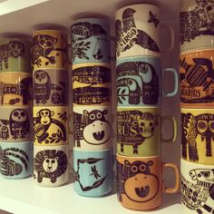 The Hornsea shelf. My complete set of and Jack Dadd designed mugs. Been meaning to post this for ages I finally found the Leo! Hornsea Pottery, Ceramic Pottery, History Of Ceramics, Coffee Snobs, Vintage Kitchenware, Pottery Designs, Modern Ceramics, I Love Coffee, Mid Century Design
