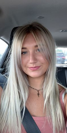 Blonde Side Bangs, Side Bangs With Long Hair, Cute Side Bangs, Side Fringe Hairstyles, Hairstyles With Bangs, Hairstyle Ideas, Haircuts, Hair Ideas, Brown Hair With Silver Highlights