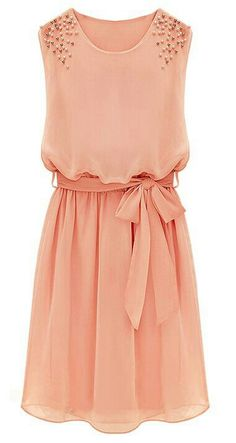 It is a redish dress , it's short, wears a lath with a bow of the same color dress , and on the shoulders it has golden colored pearls and it is sleeveless