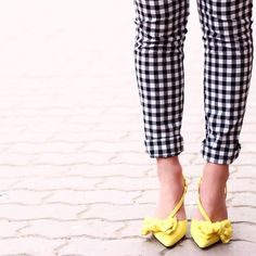 gingham crop pants + yellow pumps