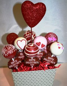 Show off your cake pops, find cake pop recipes, meet other cake poppers, learn cake pop tips and tricks, win contests and so much more! Valentines Baking, Valentine Day Cupcakes, Valentines Day Cakes, Valentine Treats, Valentine Day Love, Valentines Day Decorations, Valentine Day Crafts, Cake Pop Bouquet, Candy Bouquet