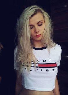Kup mój przedmiot na #vintedpl http://www.vinted.pl/damska-odziez/koszulki-z-krotkim-rekawem-t-shirty/15345562-koszulka-t-shirt-tommy-hilfiger-biala