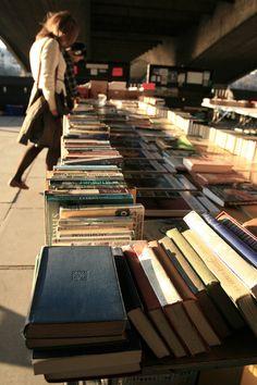 https://flic.kr/p/btUkvC | book market | Open air book market, Southwark