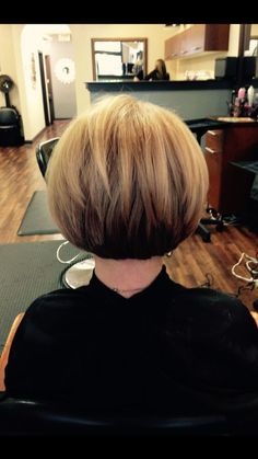 If you're going to have a haircut, you need some super fashion inspiration. Look at these wonderful Bob hairstyles! The shorter bob below are truly unique. Short haircuts are no longer a challenge for contemporary women. Short Layered Bob Haircuts, Stacked Bob Hairstyles, Bob Haircuts For Women, Bob Hairstyles For Fine Hair, Short Hairstyles For Women, Layered Bobs, Stacked Bobs, Beautiful Hairstyles, Trendy Hairstyles