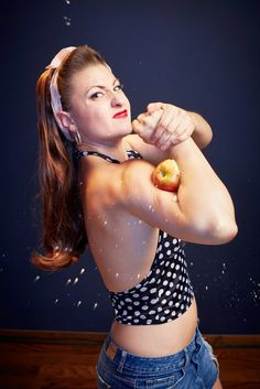 Lindsay Lindberg, also known as Mama Lou, squashed 8 apples with her biceps in one minute, holding the record for Most Apples Crushed With the Biceps in One Minute.