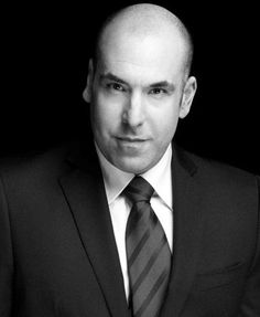After this weeks episode. I might love Louis. Rick Hoffman, Suits Usa, Gabriel Macht, Suits Tv Shows, Usa Network, Suit Fashion, Season 2, Tv Series, Beautiful People